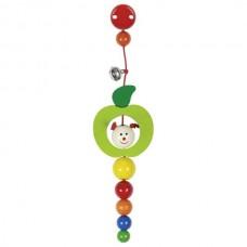 Goki Ξύλινη κρεμαστή κουδουνίστρα μήλο με κλίπ 762050